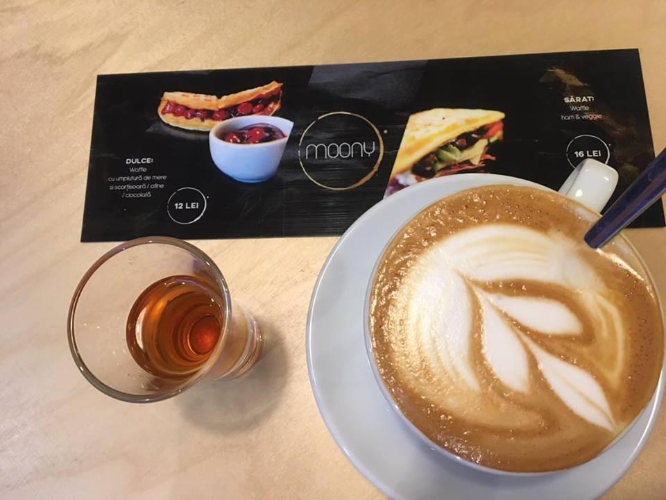 Moony Cafe